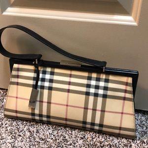 Burberry Hand Bag 🌸
